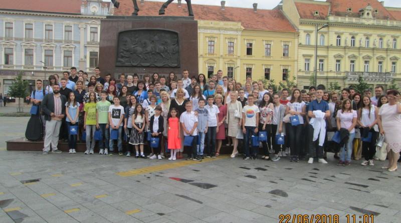 Nagradjeni ucenici na Trgu slobodeG_9143