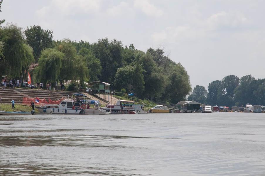 18-1б- tisa camas voda obala (5 of 1)