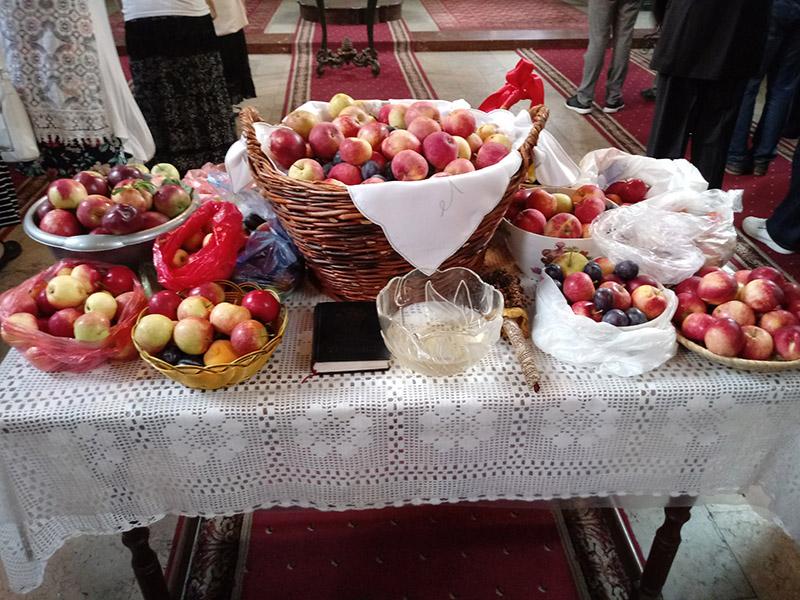 Petrovdan voće