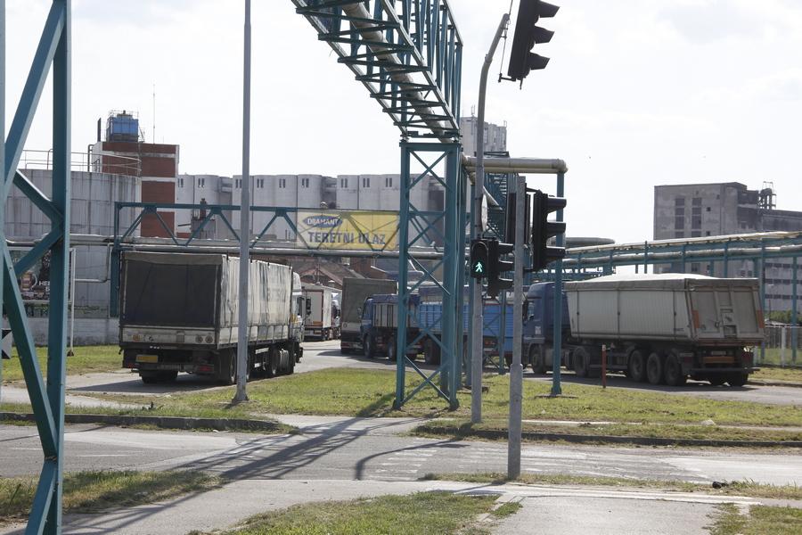 20180811 uljara dijamant kamioni suncokret (6)