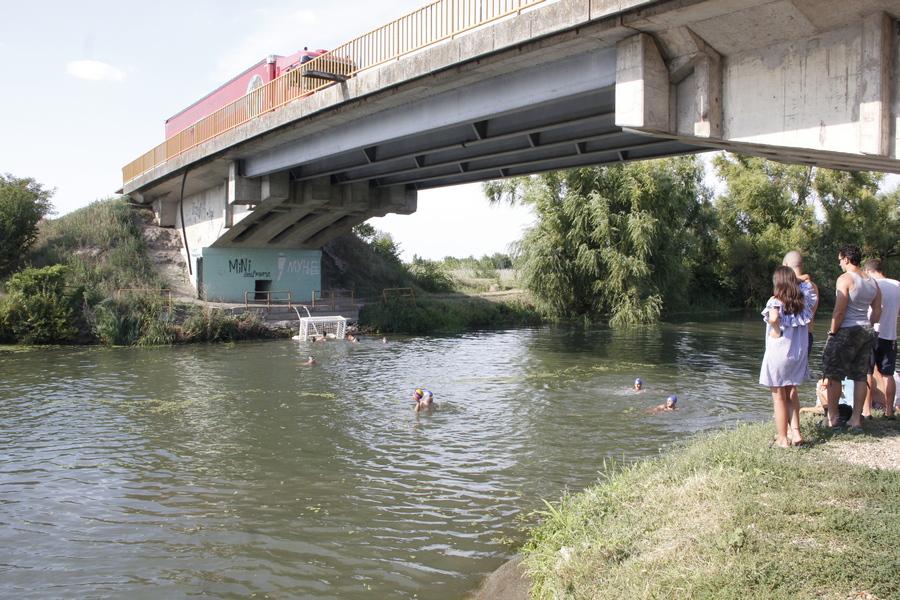 20180811 vaterpolo pod mostom