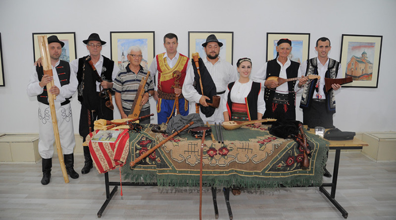 """FESTIVAL TRADICIONALNIH INSTRUMENATA """"ROG BANATA"""" OKUPIO VELIKI BROJ IZVOĐAČA"""