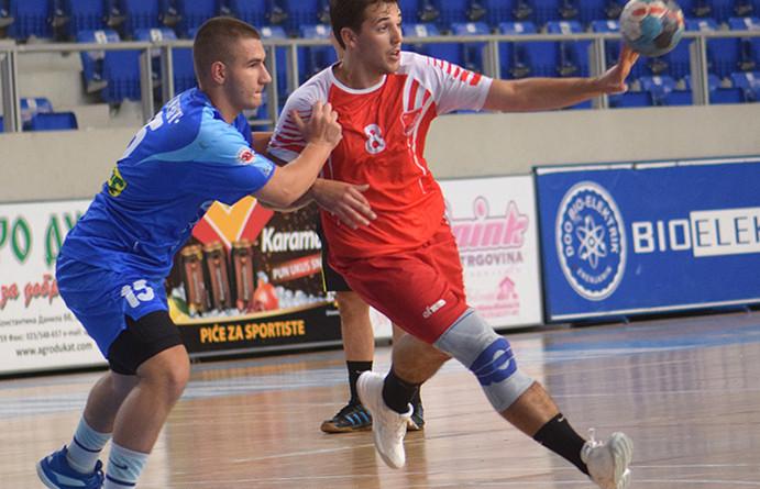 46 - 2 rukomet Aleksa Gacinovic