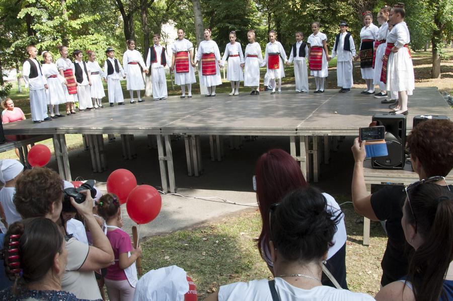 si20180908 srpski itebej testo deca folklor149
