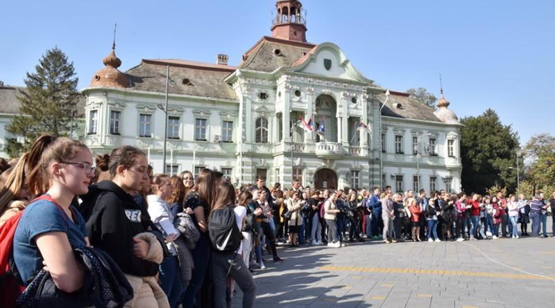 POSTAVKA POSVEĆENA NASTANKU SRPSKE VELIKE GIMNAZIJE: Borba za uvođenje srpskog jezika u nastavu