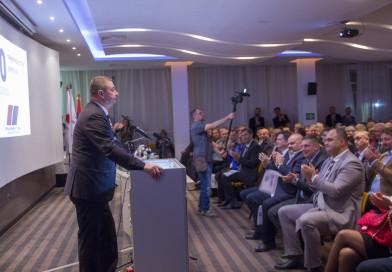 JUBILEJ SRPSKE NAPREDNE STRANKE: Decenija borbe, rada i aktivnosti na političkoj sceni Srbije