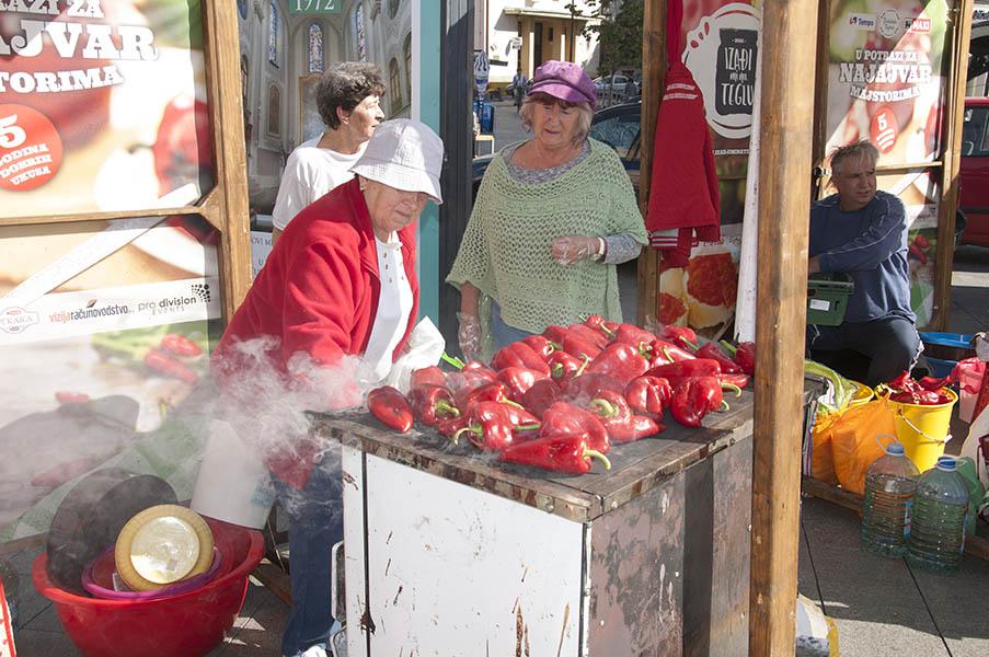 niyadji mi na teglu-naslovna za paprika ajvar tegla trg (21)