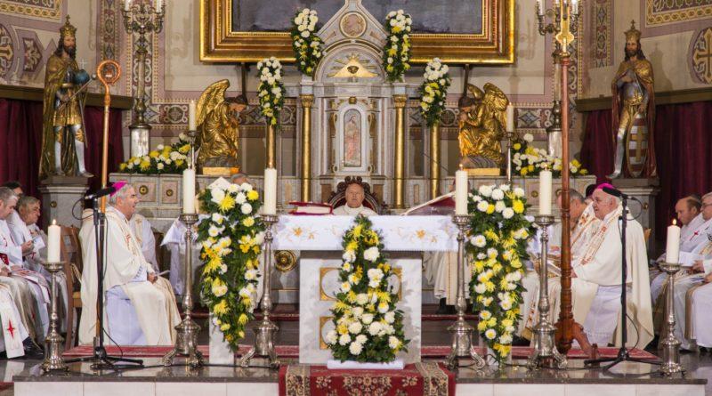 SVEČANOM MISOM OBELEŽEN JUBILEJ: 150 godina Rimokatoličke katedrale u Zrenjaninu