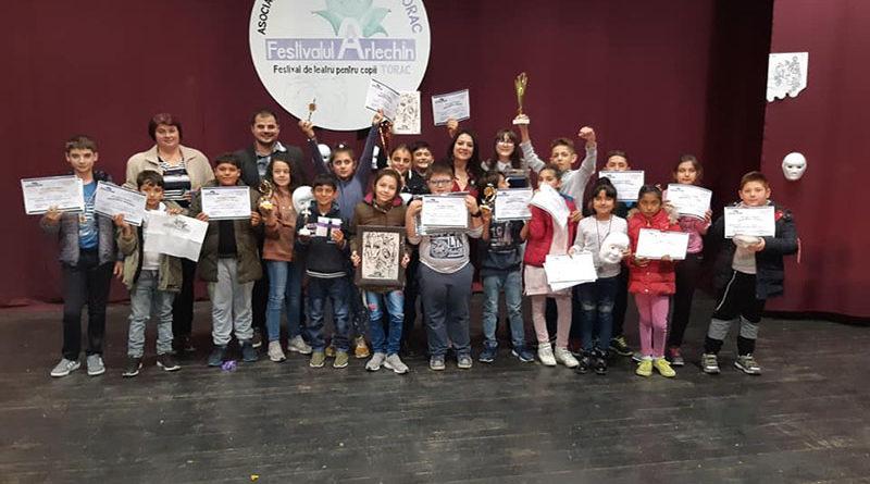 """Ediţia a V-a a Festivalului de Teatru în Limba Română pentru Copii """"Arlechin"""""""