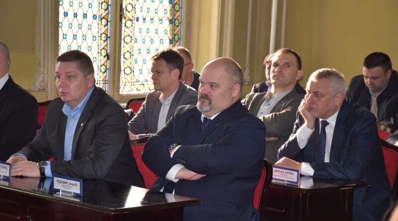 "SKUPŠTINA GRADA DALA SAGLASNOST ZA UGOVOR O KONCESIJI ZA OBAVLJANJE APOTEKARSKE DELATNOSTI: Zdravstvena ustanova ""Janković"" uliva poverenje"