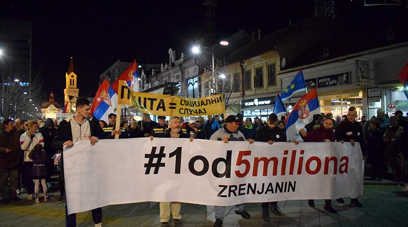 ŠESTI PROTEST JEDAN OD PET MILIONA U ZRENJANINU: Opoziciju režimu čine najbolji ljudi naše zemlje