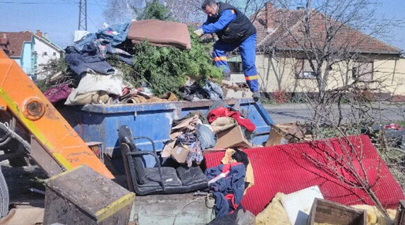 """""""ČISTOĆINA"""" AKCIJA IZNOŠENjA KABASTOG SMEĆA: Na Zelenom polju pojedine lokacije zatrpane otpadom"""