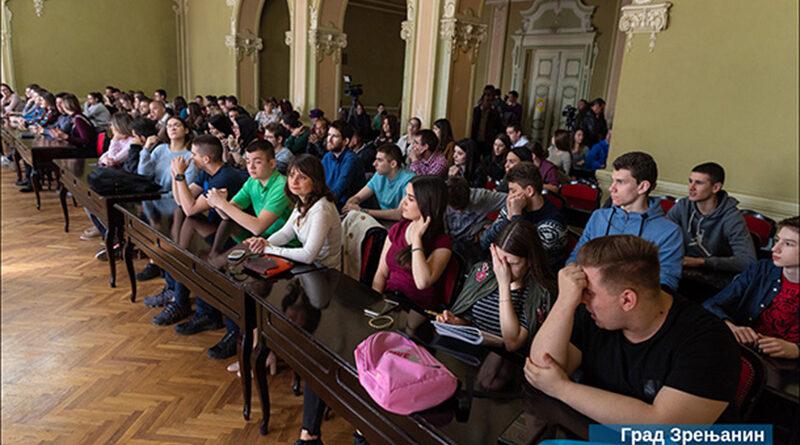 POTPISANI UGOVORI: GRAD STIPENDIRA 69 STUDENATA