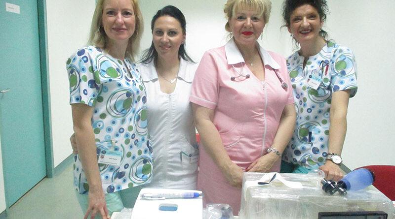 donacija3-Dr Svjetlana Zdrale sa medicinskim sestrama 17 maj 2019 Foto BJ