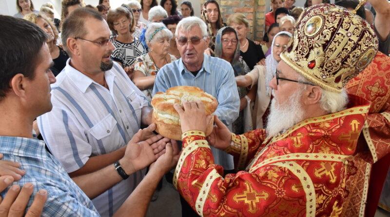LAZAREVLJANI OBELEŽILI SLAVU SELA OGNjENU MARIJU: Prva liturgija u novom hramu