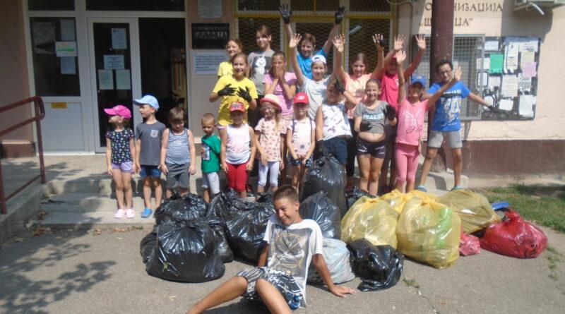 """ODRŽANA EKOLOŠKO EDUKATIVNA AKCIJA MZ """"ŠUMICA"""": Podizanje ekološke svesti kod mladih"""