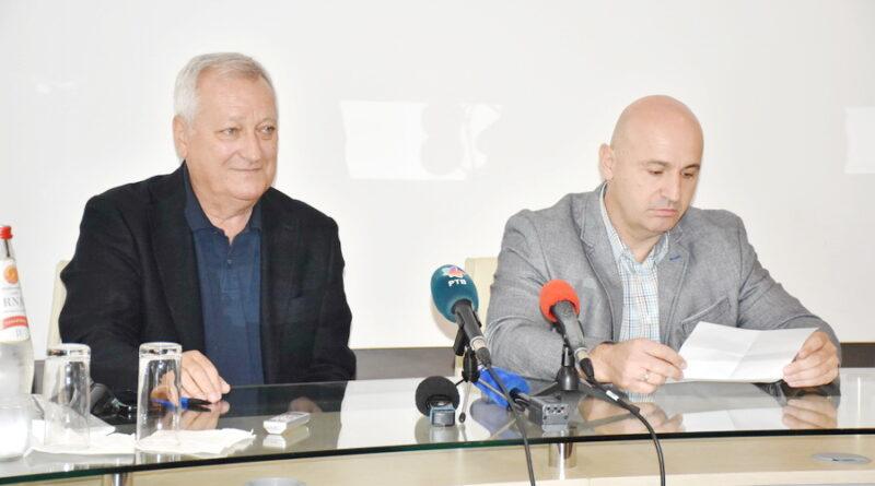 """KONFERENCIJA ZAMEDIJE KONZORCIJUMA KOJI JE PODIGAO """"FABRIKU VODE"""": Voda zadovoljava sve važeće standarde"""