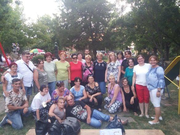 SRPSKA CRNJA: Boemski etno-bazar