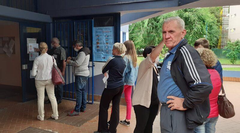 """""""DOSITEJ OBRADOVIĆ"""" I """"ZELENO POLJE"""": Do 14 časova oko 20 odsto glasalo"""