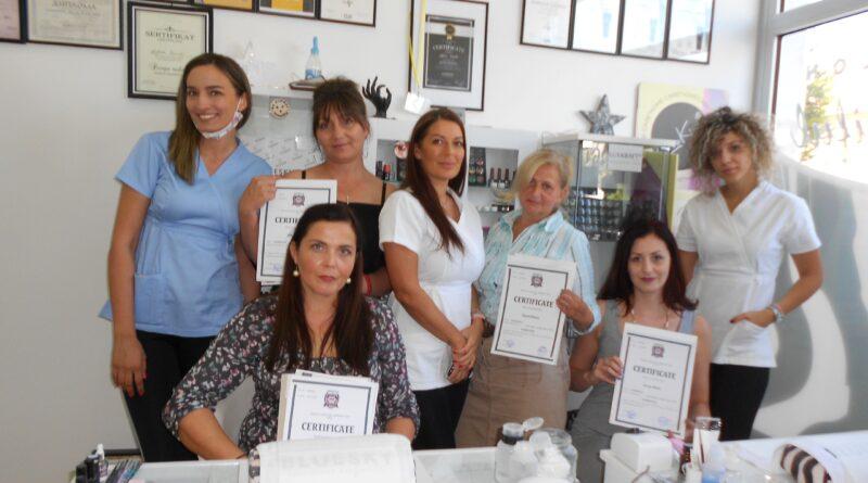 OBUKA ZA OSOBE SA INVALIDITETOM: Stekle sertifikat za kozmetičarke, učile i družile se